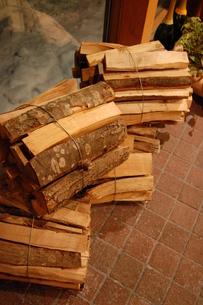 薪の写真素材 [FYI00440588]