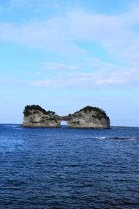 円月島の写真素材 [FYI00440768]