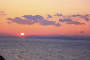 沈む夕日の写真素材 [FYI00440890]