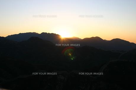 山の初日の出の写真素材 [FYI00441088]