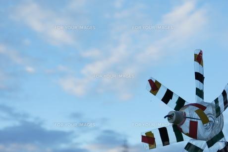 空と風車の写真素材 [FYI00441225]
