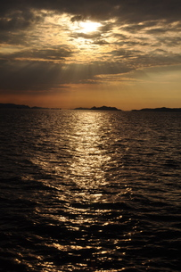 瀬戸内海の夕暮れの素材 [FYI00441352]