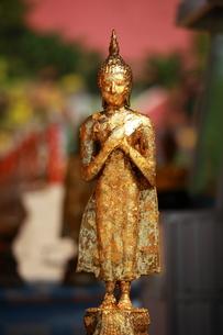 未完成の仏像の写真素材 [FYI00441950]
