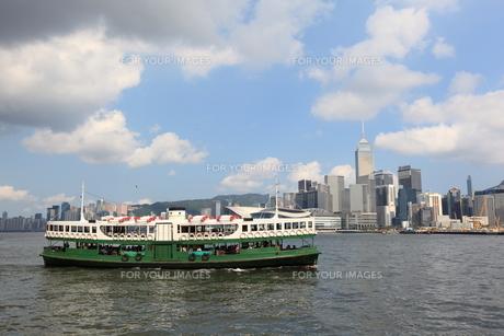 スターフェリーと香港の写真素材 [FYI00441951]