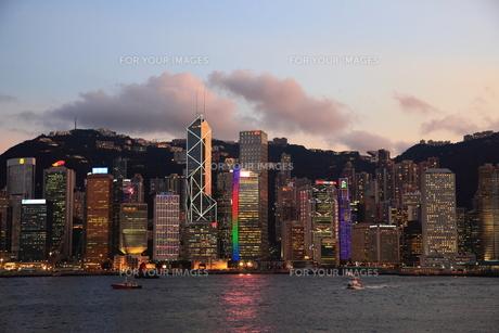 香港島の夕景の写真素材 [FYI00441957]