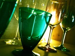 色々な色のグラスの写真素材 [FYI00442025]