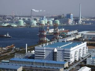 横浜・磯子の港湾風景の写真素材 [FYI00442232]