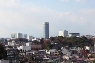 菊名の高台から見渡す新横浜の風景の写真素材 [FYI00442288]