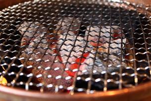 炭火焼き網の写真素材 [FYI00442487]