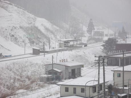 雪景色の普代村駅の素材 [FYI00443042]