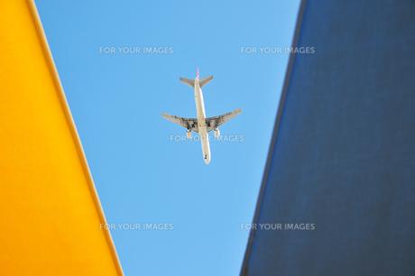 白い飛行機2の素材 [FYI00443254]