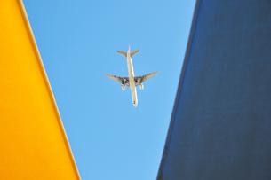 白い飛行機2の写真素材 [FYI00443254]