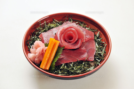 マグロ丼1の写真素材 [FYI00443303]