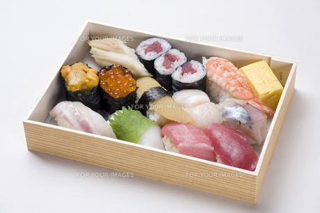 寿司折り詰め弁当-4の素材 [FYI00443355]