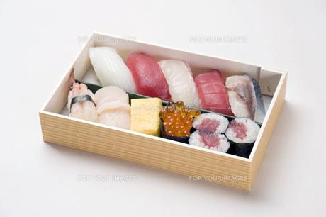 寿司折り詰め弁当-8の素材 [FYI00443362]