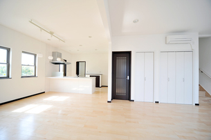 新築リビングルーム1-1の写真素材 [FYI00443415]