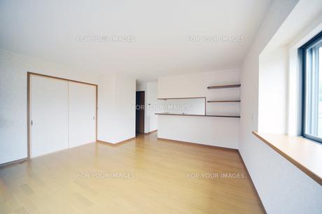 新築リビングダイニングルーム1-1の素材 [FYI00443430]