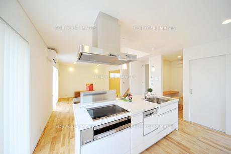 オープンキッチン1-1の写真素材 [FYI00443435]