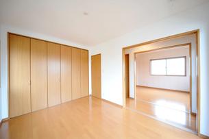 新築のベッドルーム1-7の写真素材 [FYI00443476]