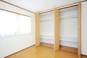 新築のベッドルーム1-8の写真素材 [FYI00443495]