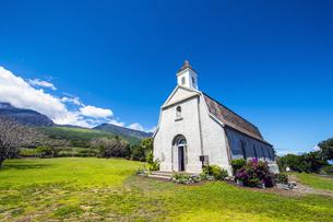 マウイ島セント・ジョセフ教会とハレアカラ国立公園-2の素材 [FYI00443728]