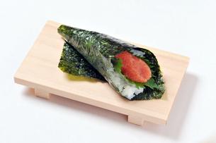 明太子と大葉の巻き寿司-1の写真素材 [FYI00443811]