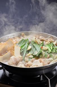 モツ鍋と湯気-1の素材 [FYI00443930]