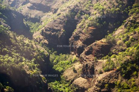 ワイメアキャニオン空撮、カウアイ島、ハワイ-4の写真素材 [FYI00444046]