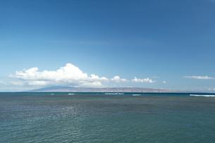 モロカイ島からラナイ島を望む、モロカイ島、ハワイの写真素材 [FYI00444127]