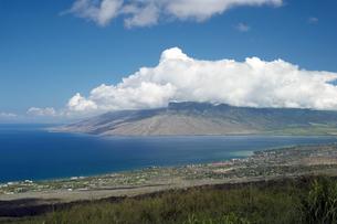ピイラニハイウェイからキヘイとマアラエア湾を望む、マウイ島、ハワイ-2の素材 [FYI00444174]