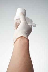 hands(bandage)_10の写真素材 [FYI00444604]