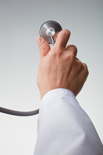 hands(stethoscope)_28の写真素材 [FYI00446363]