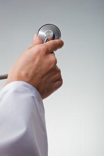 hands(stethoscope)_25の写真素材 [FYI00446372]