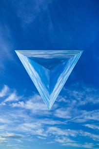 sky_triangular_pyramid_01の写真素材 [FYI00446932]