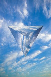 sky_triangular_pyramid_03の写真素材 [FYI00446944]