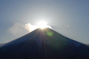 ダイヤモンド富士の写真素材 [FYI00447400]