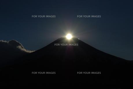 ダイヤモンド富士の写真素材 [FYI00447415]