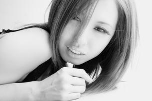お洒落でセクシーな女性の素材 [FYI00447926]