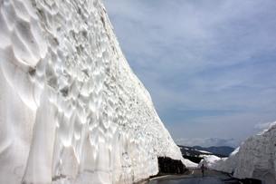 位ヶ原の残雪の写真素材 [FYI00448297]
