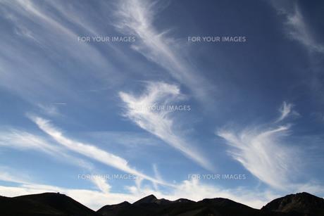 乗鞍岳にかかる雲の写真素材 [FYI00448363]