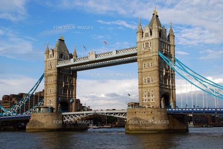 イギリスのタワーブリッジの写真素材 [FYI00449030]
