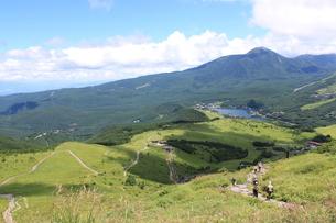 車山から見下ろす白樺湖の写真素材 [FYI00449066]
