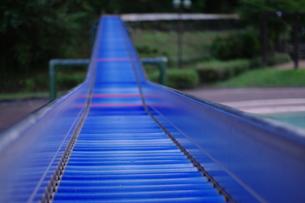 青いローラースライダーの写真素材 [FYI00449474]