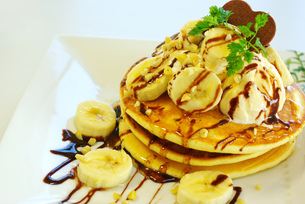 チョコバナナパンケーキの写真素材 [FYI00449511]