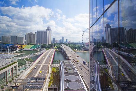 シンガポールの風景、窓越しに の写真素材 [FYI00451405]