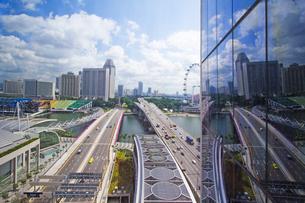 シンガポールの風景、窓越しに の素材 [FYI00451405]