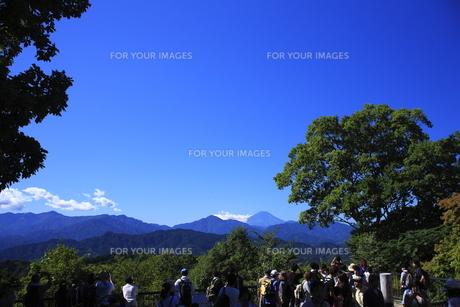 高尾山山頂からの富士山の写真素材 [FYI00452067]