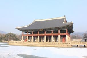 景福宮の慶会楼の写真素材 [FYI00452508]