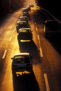 夕陽の道路の写真素材 [FYI00453598]
