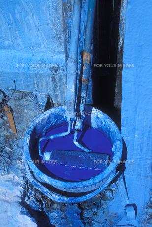 青いバケツの写真素材 [FYI00453955]
